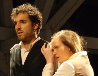 Fabienne_Truessel_Theater_Dantons-Tod_Lucile2